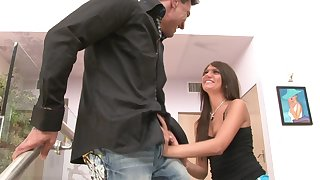 Horny dude enjoys amazing threesome with Cassandra Nix and one more girl