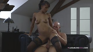 Ebony chick puts entire white fuck off her shaved cerise