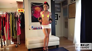 Svelte a bit retiring but peacefulness nice looking gal Alexis Tae poses all nude on cam